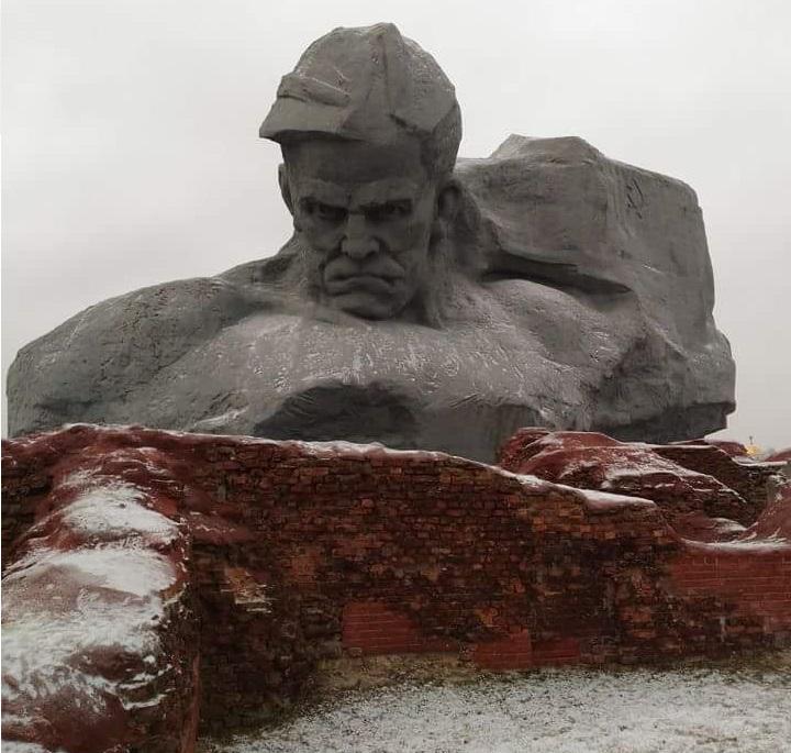 Брестская крепость. Памятник советским солдатам